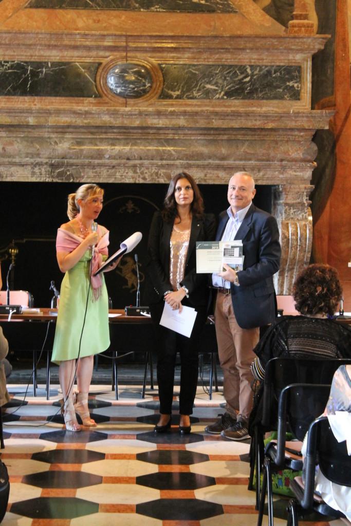 I°premio poesia: Roberto Deider con l'Assessore Cristina Cappellini
