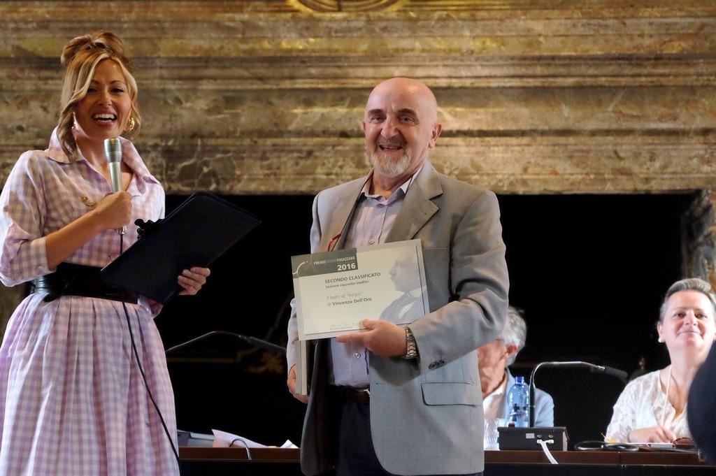Vincenzo Dell'Oro, secondo premio per il Racconto inedito, con Rossella Pretto
